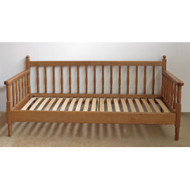 Кровать деревянная Джема