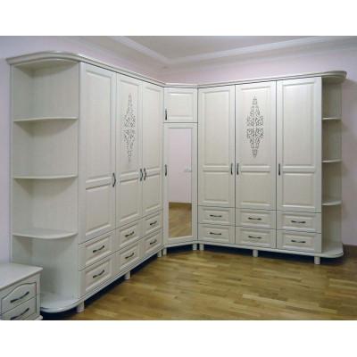 Угловой шкаф для одежды - шифоньер